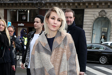 Noomi Rapace Stella McCartney : Outside Arrivals  - Paris Fashion Week Womenswear Fall/Winter 2014-2015