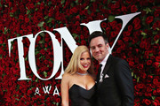 Actress Megan Hilty and Brian Gallagher attend the 70th Annual Tony Awards at The Beacon Theatre on June 12, 2016 in New York City.