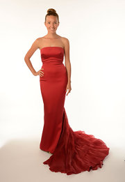 Jelena attended the Novak Djokovic Foundation Inaugural Dinner wearing a figure-hugging gown in a lovely scarlet red.