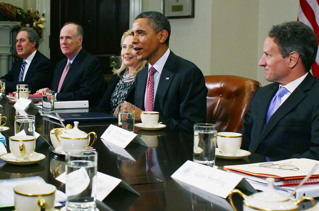 Barack Obama Photos Photos - Obama Hosts Summit Meeting ...