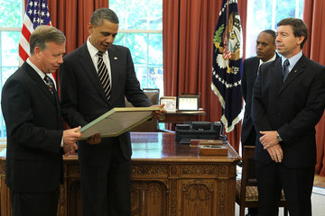 Eric Boe Obama Meets With Crew Of Space Shuttle Discovery
