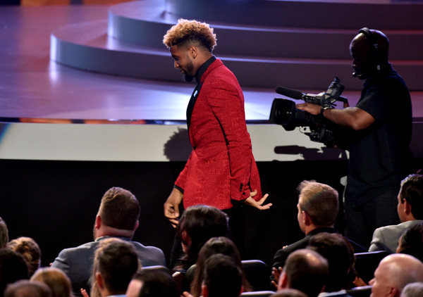 single gay men in odell Odell beckham jr looking at a man's ass  i was saying its unfortunate that gay men sleep with women  what single athlete brings a chick to sport events to .
