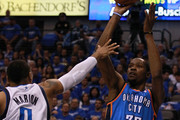 Shawn Marion and Kevin Durant Photos Photo