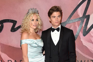 Oliver Cheshire The Fashion Awards 2016 - Red Carpet Arrivals