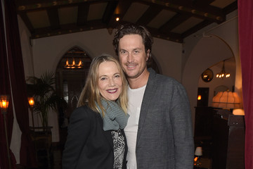Oliver Hudson Equipment and Vanity Fair Dinner Hosted by Rashida Jones and Krista Smith