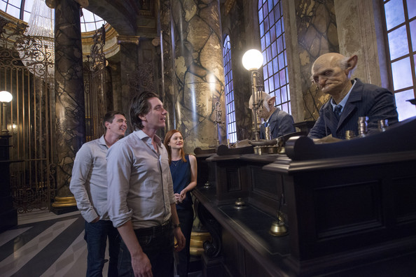 'Harry Potter' Stars Visit Diagon Alley