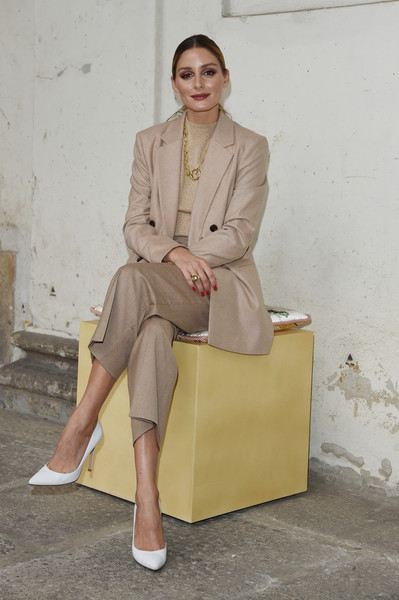 Boss - Front Row - Milan Fashion Week Spring/Summer 2021 [clothing,sitting,fashion,beige,street fashion,trench coat,footwear,outerwear,blazer,leg,olivia palermo,front row,fashion,fashion week,street fashion,coat,milan,hugo boss,milan fashion week,boss fashion show,olivia palermo,milan fashion week 2019,fashion,fashion show,fashion week,hugo boss,milan,coat]