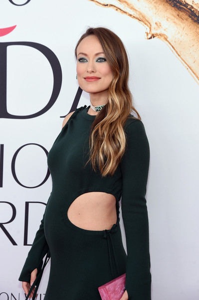 2016 CFDA Fashion Awards - Arrivals [hair,clothing,shoulder,beauty,hairstyle,lip,little black dress,dress,fashion,long hair,arrivals,olivia wilde,hammerstein ballroom,new york city,cfda fashion awards]