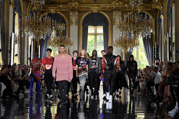 Olivier Rousteing Balmain: Runway - Paris Fashion Week - Menswear Spring/Summer 2019