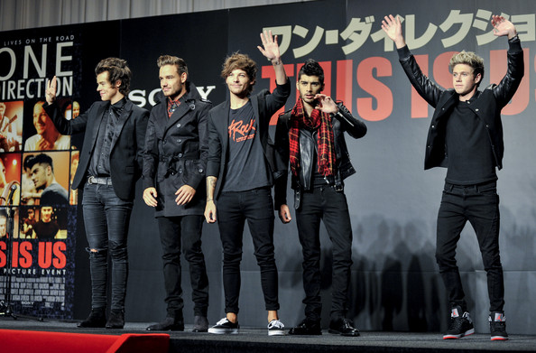 One Direction Members Meet Japanese Fans To Promote