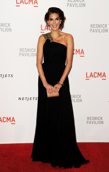 "Actress Teri Hatcher arrives at the opening Gala and ""Unmasking"" for the Resnick Pavilion at LACMA on September 25, 2010 in Los Angeles, California."