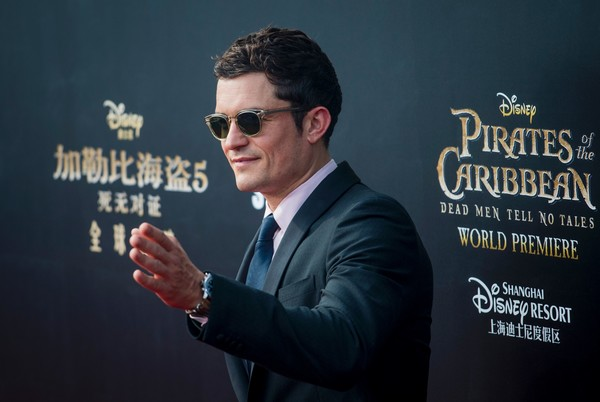http://www3.pictures.zimbio.com/gi/Orlando+Bloom+Pirates+Caribbean+Dead+Men+Tell+ZWzZRcglPZxl.jpg