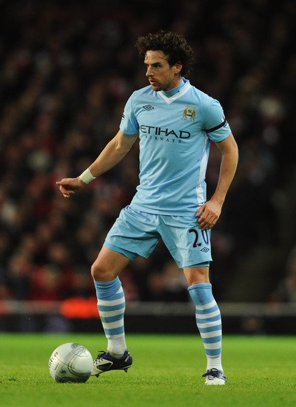 Owen hargreaves photos photos arsenal v manchester city carling arsenal v manchester city carling cup quarter final altavistaventures Choice Image