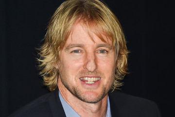 Owen Wilson 'She's Funny That Way' Stage Greeting