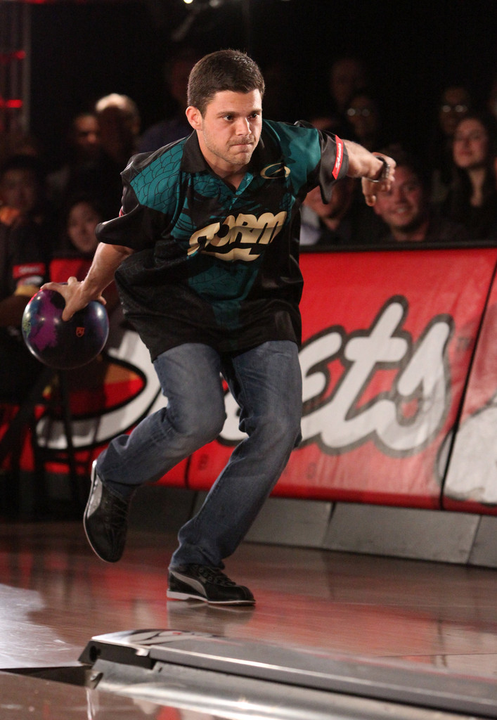 Rockets news: Chris Paul catches fire at celebrity bowling ...
