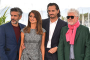 "(L-R) Leonardo Sbaraglia, Penelope Cruz,  Asier Etxeandia and Director Pedro Almodovar attend the ""Pain And Glory (Dolor Y Gloria/ Douleur Et Glorie)"" photocall during the 72nd annual Cannes Film Festival on May 18, 2019 in Cannes, France."