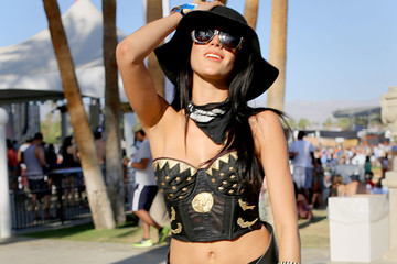 Paloma Street Style At The 2015 Coachella Valley Music And Arts Festival - Weekend 1