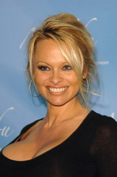 pamela-anderson-a-russell-peters-christmas-special