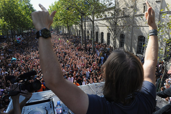 David Guetta French DJ David Guetta performs during the Techno Parade on September 19, 2009 in Paris, France.