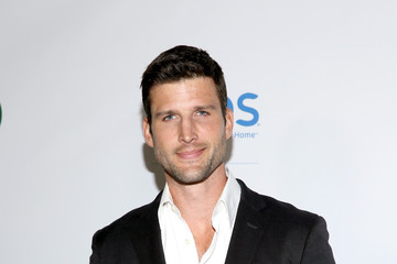 Parker Young 15th Annual Global Green Pre-Oscar Gala - Arrivals