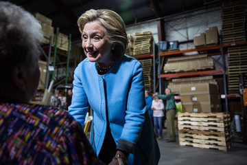 Pat Russell Hillary Clinton Begins New Hampshire Election Campaign