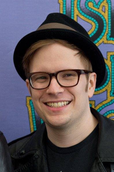 patrick stump – who's the (batman перевод