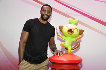 Patrick Patterson Nintendo Demos New Titles For Nintendo Switch For Celebrities At 2019 E3 Gaming Convention