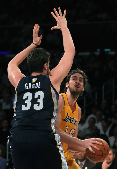 Marc Gasol and Pau Gasol Photos - Memphis Grizzlies v Los ...