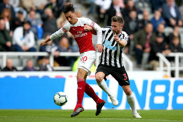 Paul Dummett Newcastle United vs. Arsenal FC - Premier League