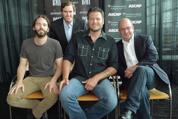 "Paul Jenkins Blake Shelton Celebrates No. 1 Hits ""Sure Would Be Cool If You Did"" And ""Over"" During The 2013 CMA Music Festival"