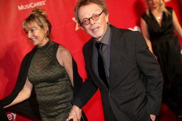 Paul Williams Mariana Williams 2014 MusiCares Person Of The Year Honoring Carole King - Red Carpet