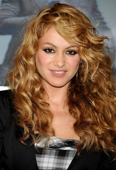 The 46-year old daughter of father Enrique Rubio and mother Susana Dosamantes, 163 cm tall Paulina Rubio in 2018 photo