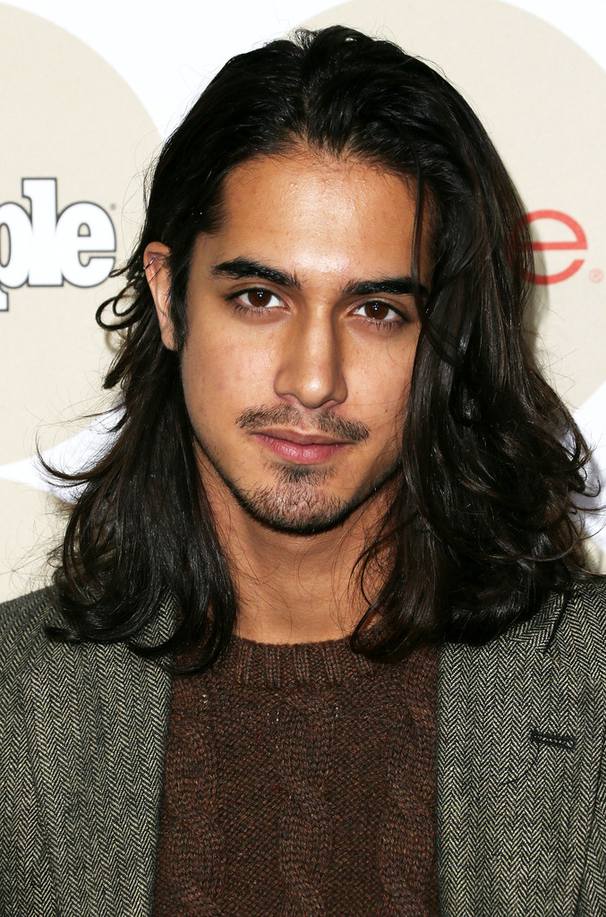 avan jogia fansite