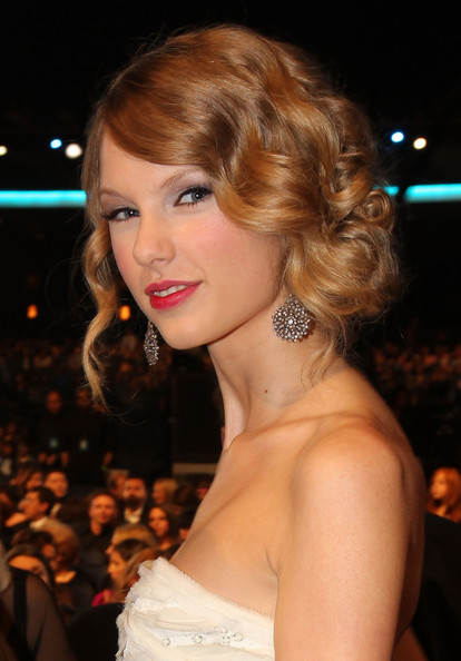 Taylor+Swift in People's Choice Awards 2010 - Inside