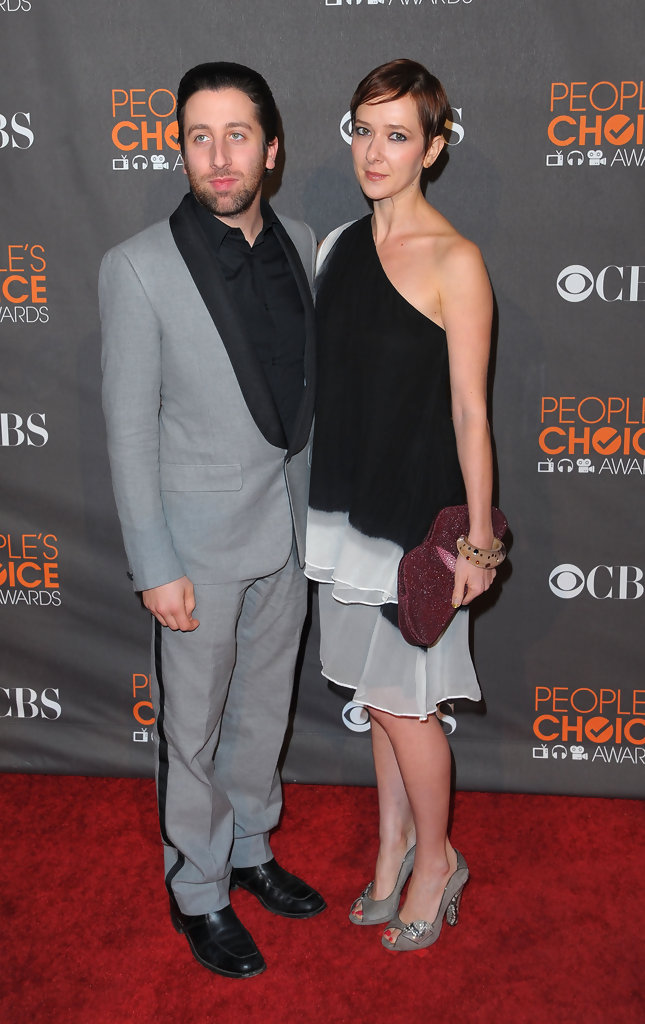Simon Helberg Jocelyn Towne Photos - People's Choice ...