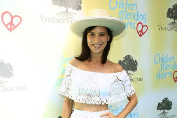 Perrey Reeves Children Mending Hearts' 9th Annual Empathy Rocks