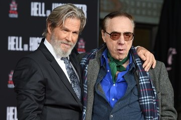 Peter Bogdanovich Jeff Bridges Hand And Footprint Ceremony