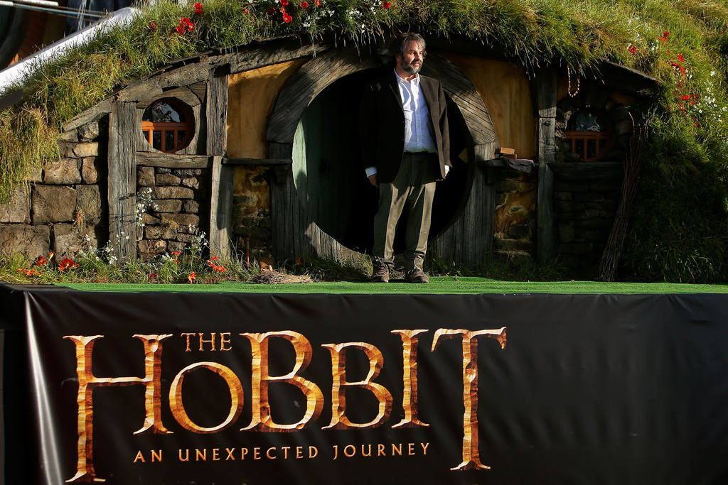 http://www3.pictures.zimbio.com/gi/Peter+Jackson+Hobbit+Unexpected+Journey+World+GB9z7Snlq95x.jpg
