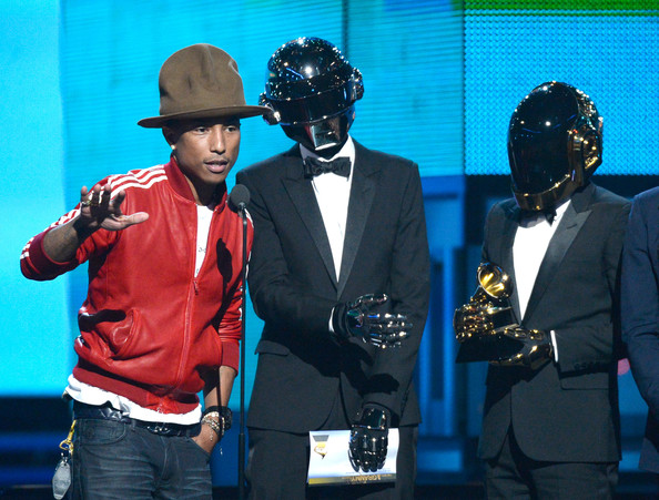 http://www3.pictures.zimbio.com/gi/Pharrell+Williams+Guy+Manuel+de+Homem+Christo+DS6sOEUO1aAl.jpg