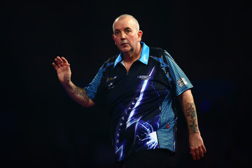Phil Taylor 2016 William Hill PDC World Darts Championships - Day Twelve