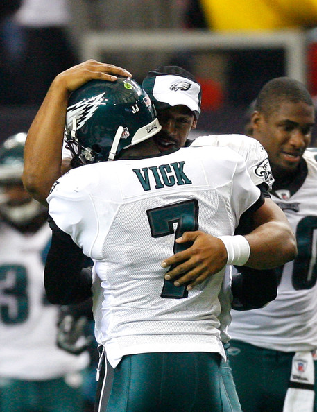 Donovan McNabb Donovan McNabb #5 of the Philadelphia Eagles congratulates Michael Vick #7 after Vick passed for his second touchdown against the Atlanta Falcons at Georgia Dome on December 6, 2009 in Atlanta, Georgia.