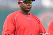 Ryan Howard #6 of the Philadelphia Phillies looks on during batting practice before the game against the Washington Nationals at Nationals Park on September 9, 2016 in Washington, DC.