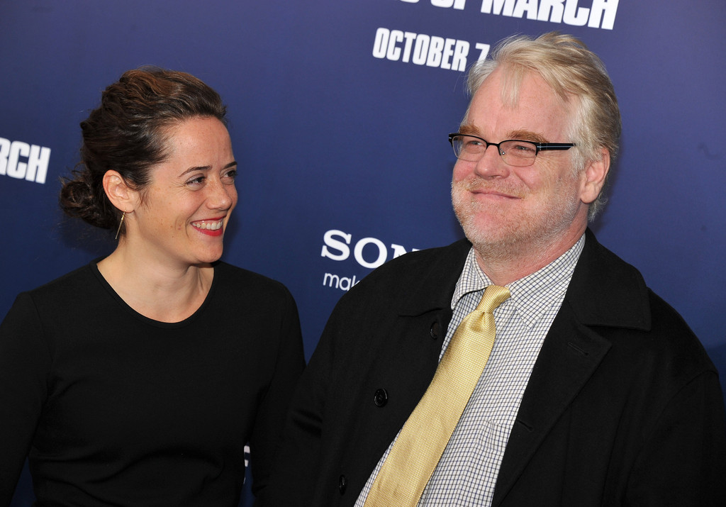 "Philip Seymour Hoffman and Mimi O'Donnell - ""The Ides Of March"" New York Premiere - Outside Arrivals"