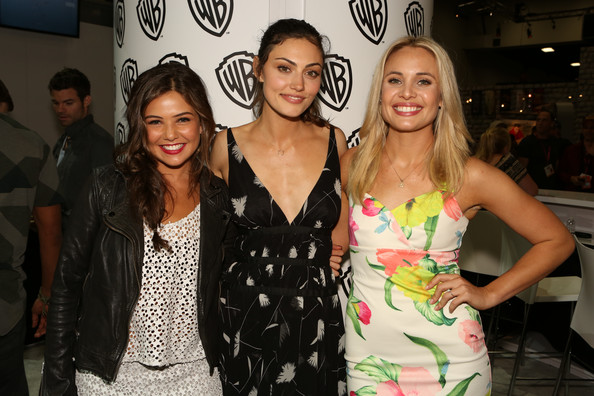 Danielle campbell and phoebe tonkin - photo#16