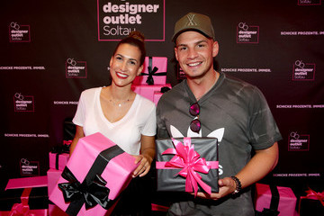 Pietro Lombardi Late Night Shopping At Designer Outlet Soltau