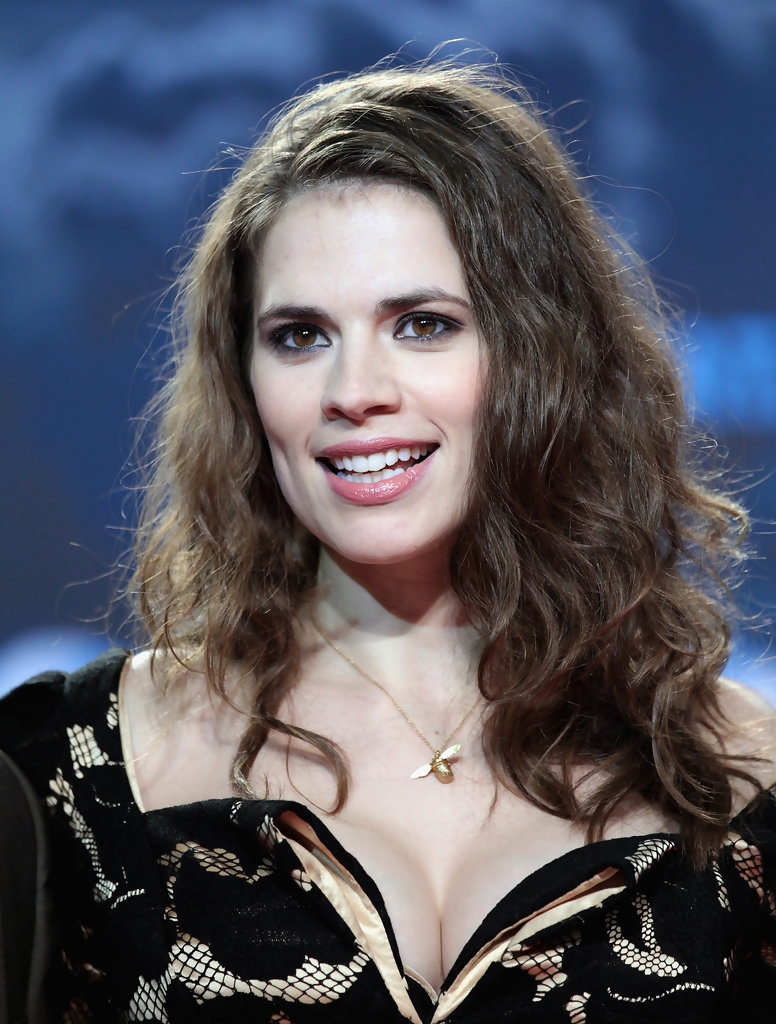 Hayley atwell the pillars of the earth