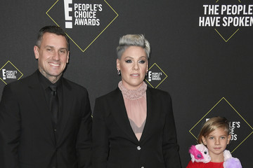 Pink Jameson Moon Hart 2019 E! People's Choice Awards - Arrivals