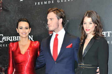 "Penelope Cruz Astrid Berges Frisbey ""Pirates Of The Caribbean: On Stranger Tides"" Germany Premiere"