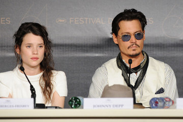 """Johnny Depp Astrid Berges Frisbey """"Pirates of the Caribbean: On Stranger Tides"""" Press Conference - 64th Annual Cannes Film Festival"""