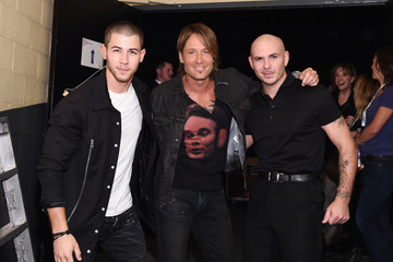 Pitbull PlentiTogether LIVE - Arrivals